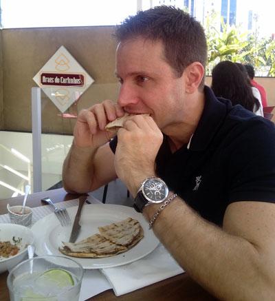Saboreando um Arais de Carne e Queijo - AntonioBorba.com