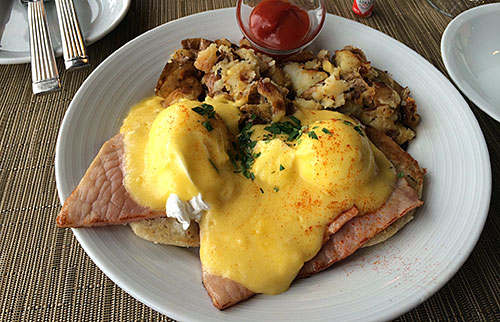 Traditional Eggs Benedict - Salish Lodge - AntonioBorba.com