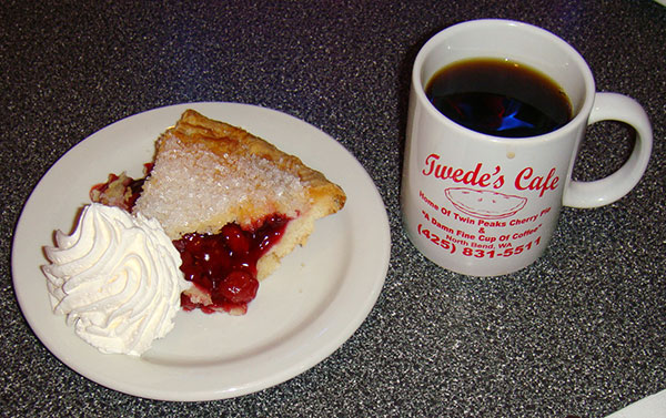 Cherry Pie + Black Coffee - Double R Diner - AntonioBorba.com