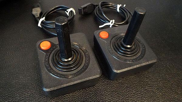 Lote 1 - Dactar 4 Chaves com Joysticks e 12 Jogos - AntonioBorba.com