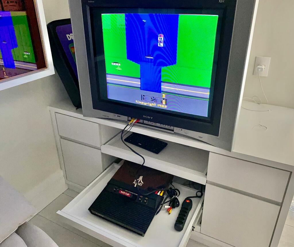 Atari 2600 - Lote com mais de 117 jogos à venda
