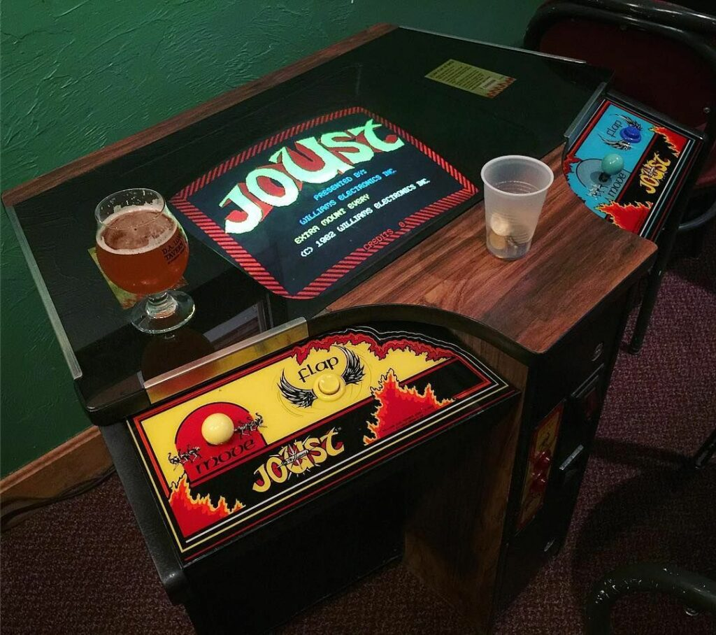 Joust - Cooperative multiplayer é um marco na história dos arcades